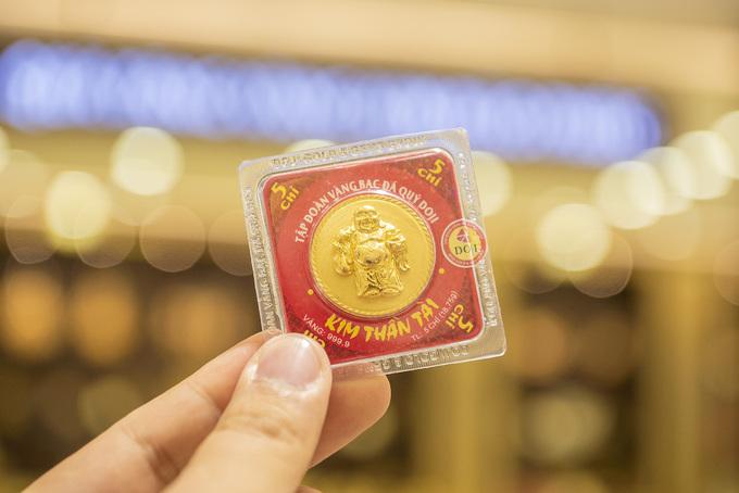 Một lựa chọn khác cho dòng vàng ép vỉ 999.9 là đồng vàng Thần Tài Thịnh Vượng, Thần Tài Đại Phất. Ảnh: DOJI.